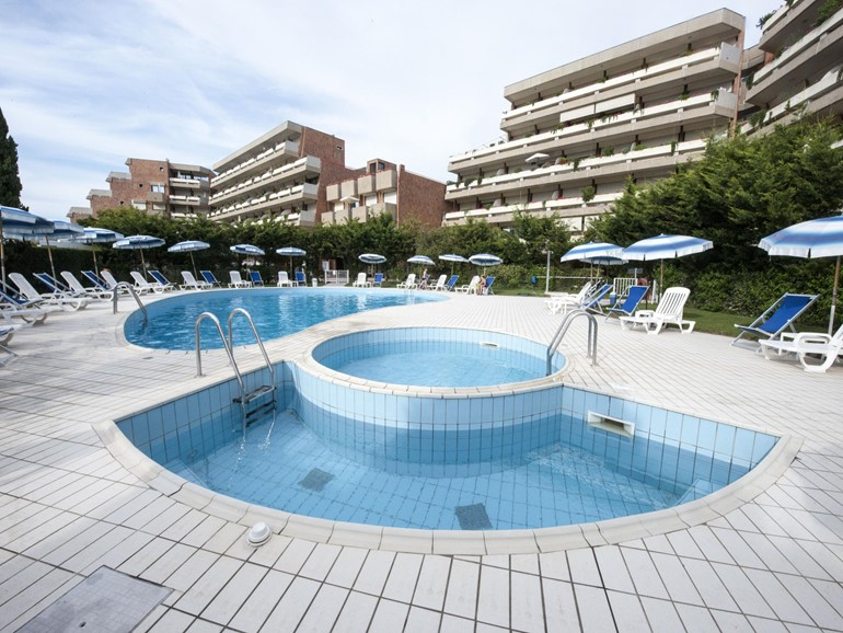 Holidays House Suites Marilia Apartments>