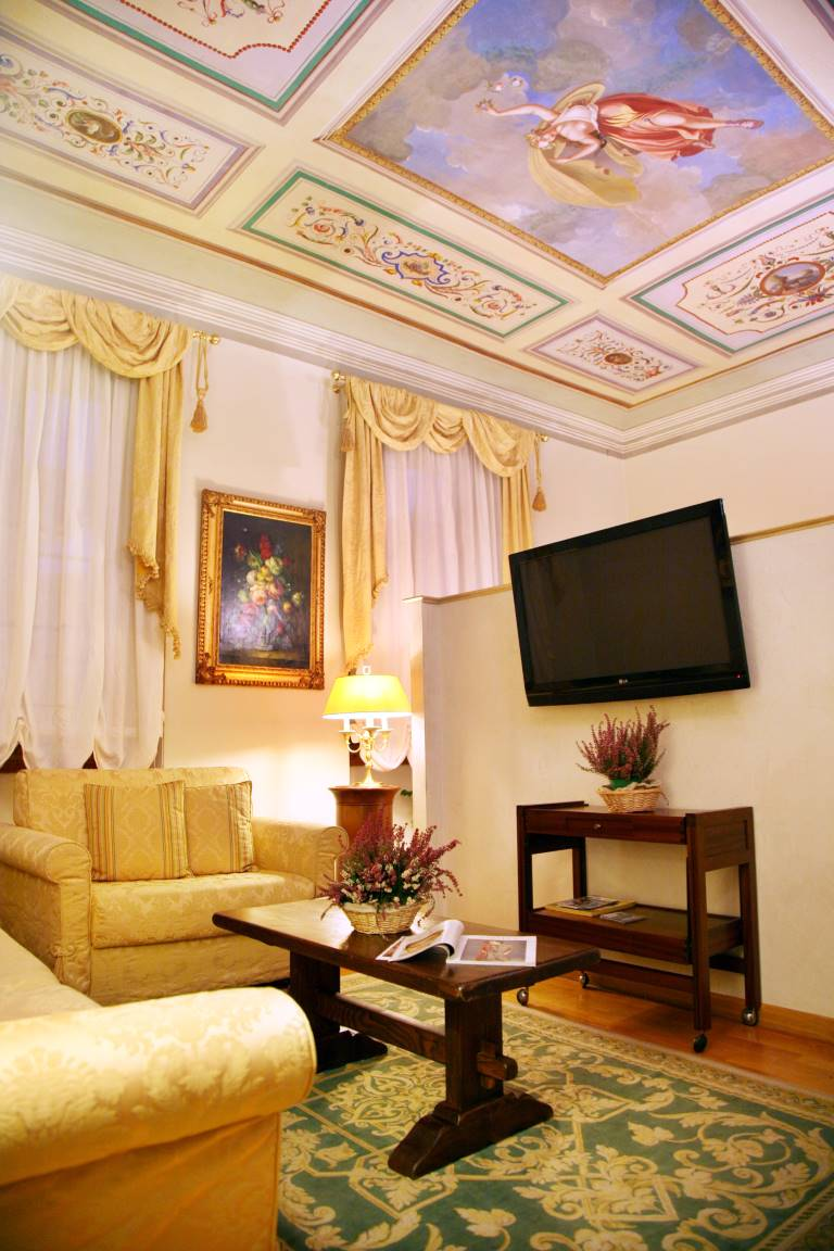 BED AND BREAKFAST TORNABUONI LA PETITE SUITE