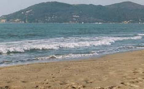 Appartamenti colombo marina di carrara - Bagno firenze marina di carrara ...