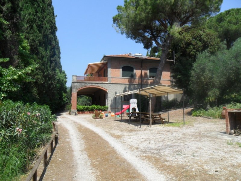 Farmhouse VILLA I TIGLI