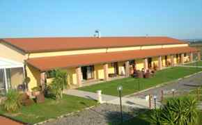 Bed and Breakfast NearBeach Cecina