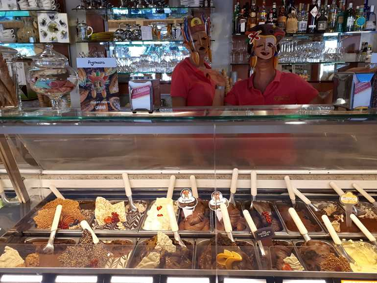 Ice Cream Gelateria Il Ghiottone Marina di Bibbona