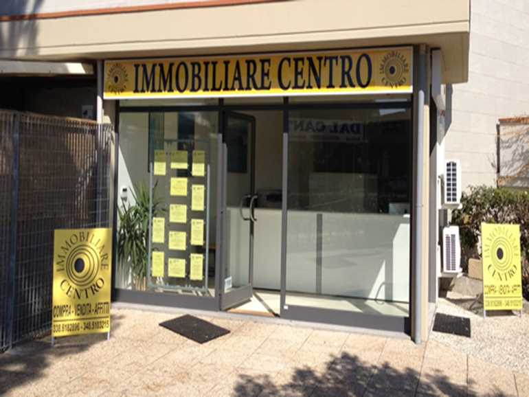 Real estate agency Immobiliare Centro Marina di Bibbona