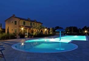 Ofertas especiales! 14 de septiembre en relajarse en una casa de campo junto al mar en la Toscana